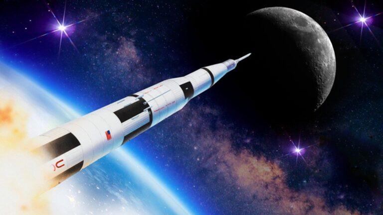 apollo 11's moon journey