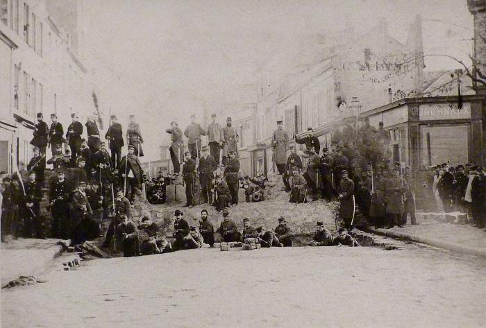 Paris'te kurulan 1848 yılındaki barikatların ardından 4 günde 1500'e yakın isyancı öldürüldü