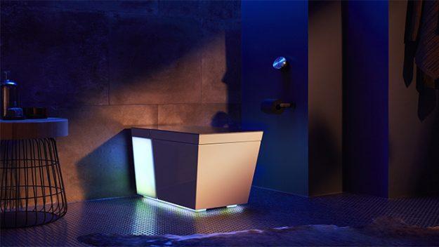 Bu akıllı tuvalet sesli komutları anlayabiliyor