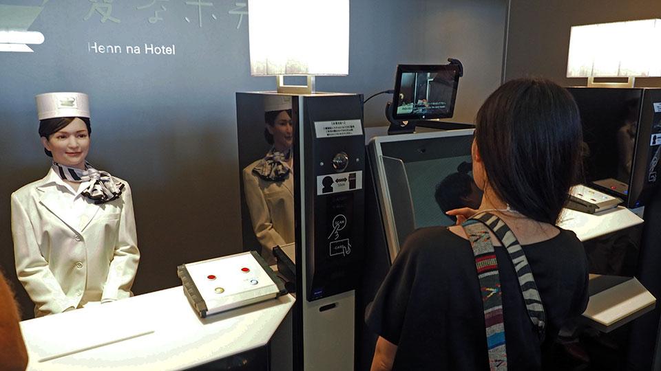 Robot otel garip ve ürkütücü bir atmosfere sahip