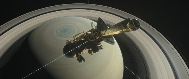 Satürn cassini uydusu gezegene ilerliyor