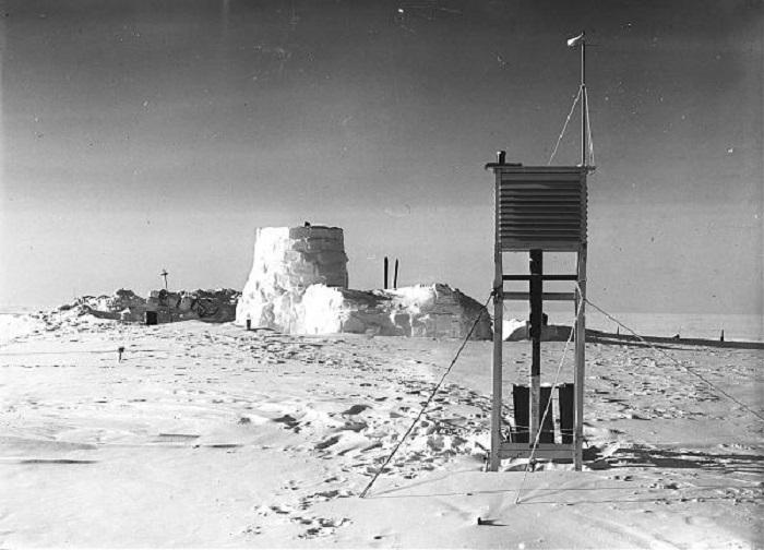 İstasyon, Alfred Wegener'ın seferinde (Temmuz 1930 - Ağustos 1931) buzun içine kazıldı / Kıtaların Kayma Teorisi