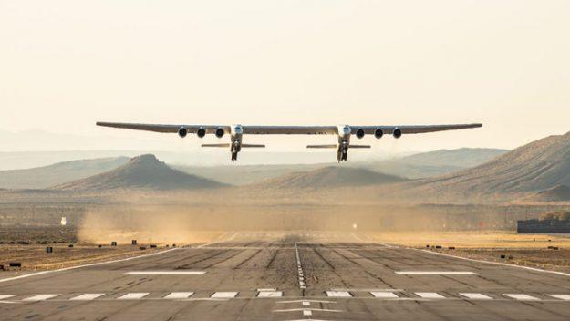 Dünyanın en geniş uçağı Stratolaunch