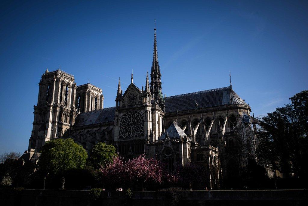 Notre Dame yangını: Katedralin tarihi ve kısa bilgileri