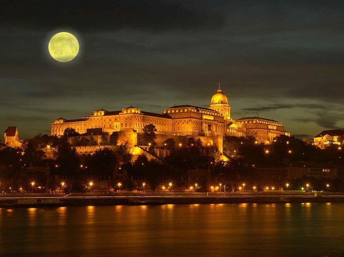 Budapest Castle / Doğu Avrupa'nın kaleleri