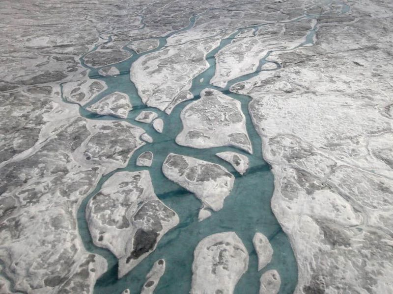 grönland buzul altı gölü