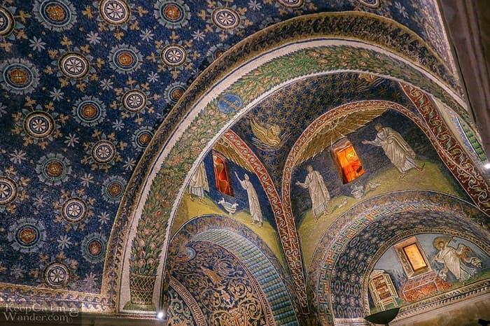 Mausoleo di Galla Placidia in Ravenna / Batı Roma nasıl yıkıldı?