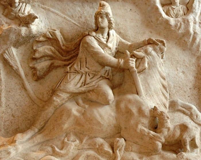 Tanrı Mitra kadınları dışlıyordu / Roma'nın hristiyanlık dinine geçişi