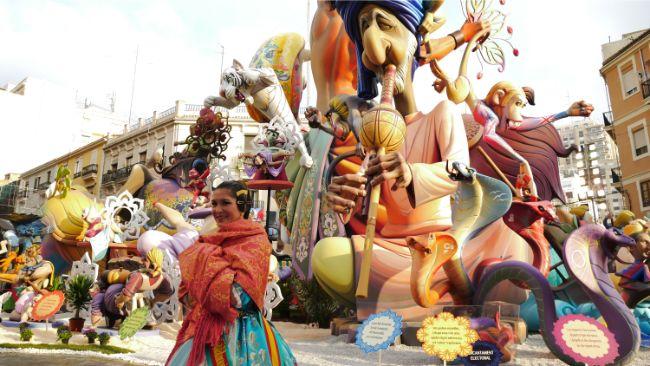 Las Fallas ateş festivali