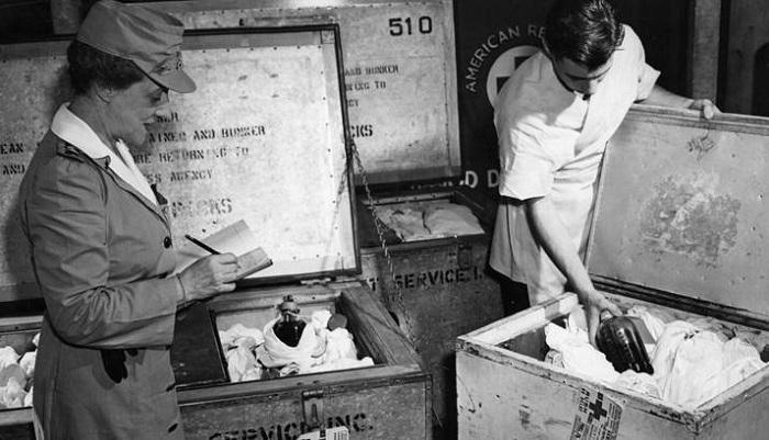 Kan nakli / Amerika II. Dünya Savaşı'nda kan depoluyor.