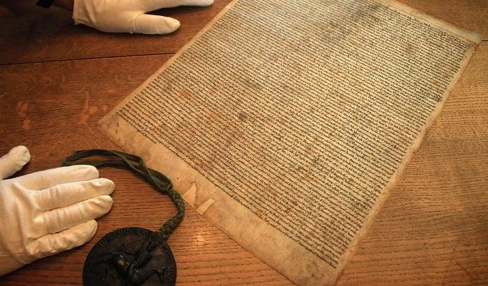 İngiltere arşivinde bulunan Magna Carta'nın 700 yıllık unutulmuş kopyası