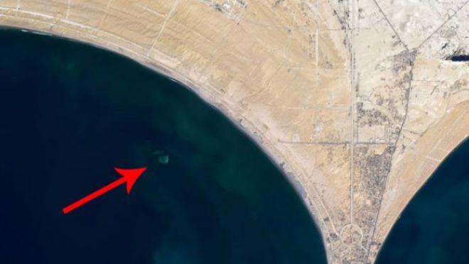 Depremle oluşan ada denizin derinliklerine gömüldü