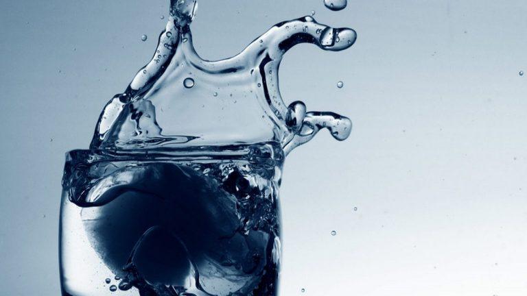 florürlü çeşme suyu