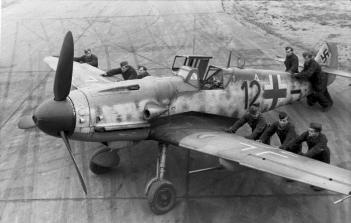 Nazilerin Messerschmitt uçakları bombardıman uçaklarını korumakla görevliydi