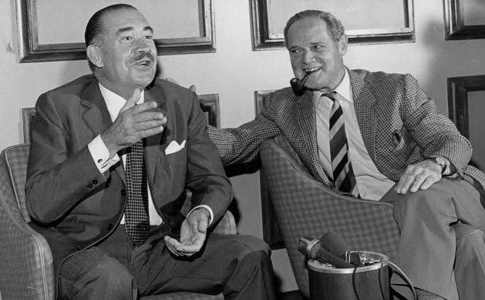Çarpışmada rakip olmalarına karşın Adolf Galland ile Douglas Bader, savaştan sonra dost oldular