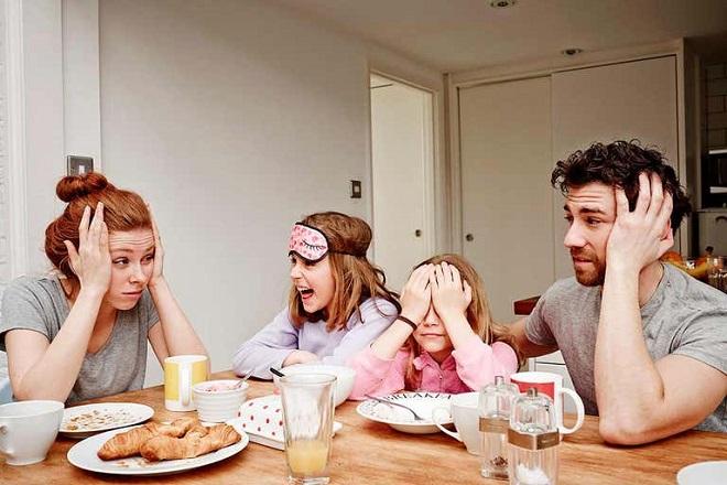 çocuklu ebeveynler mutlu mu