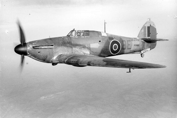 Spitfire efsanelere girdi ama Almanların üzerine en çok sağlam yapılı Hawker Hurricane uçakları gönderilmiştir / Britanya Savaşı