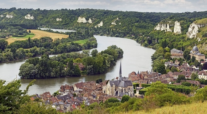 Les Andelys Fransa yakınlarındaki Seine Nehri