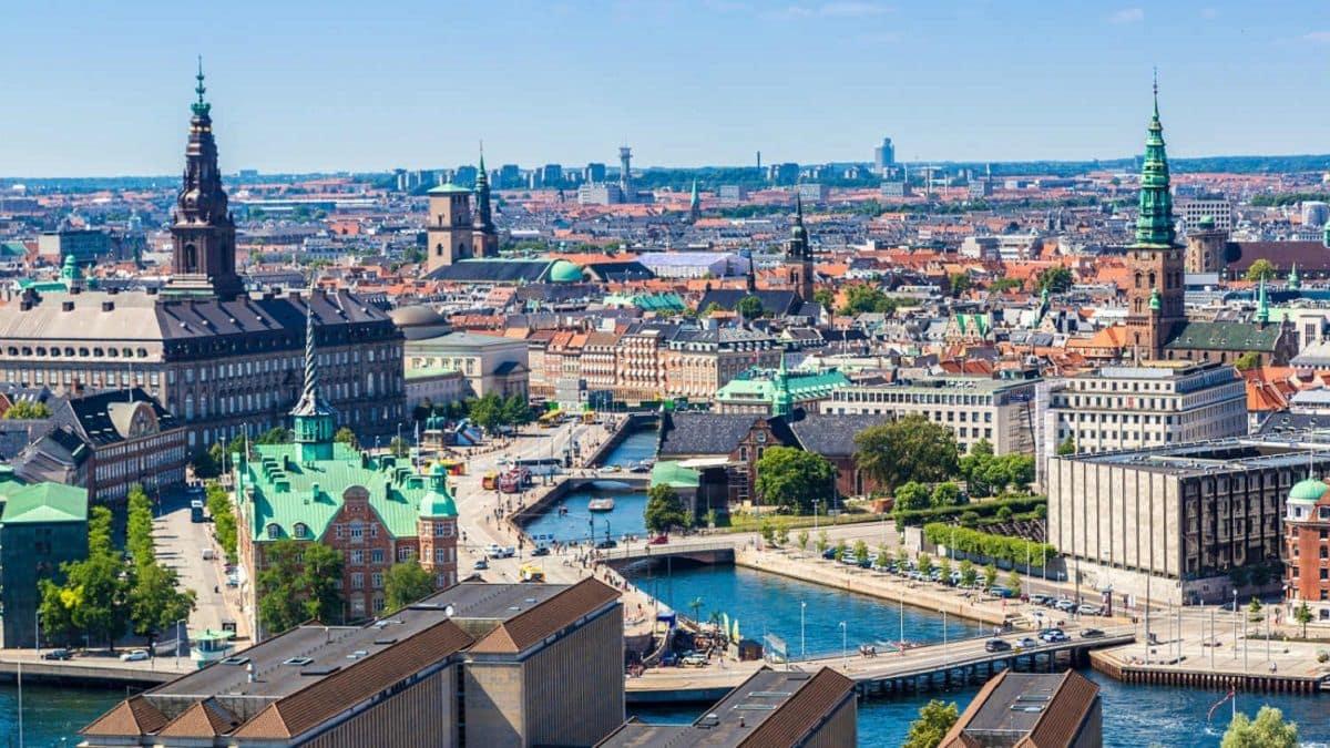 Danimarka: Tarihi, dini, dili, eğitimi, ekonomisi ve yönetimi