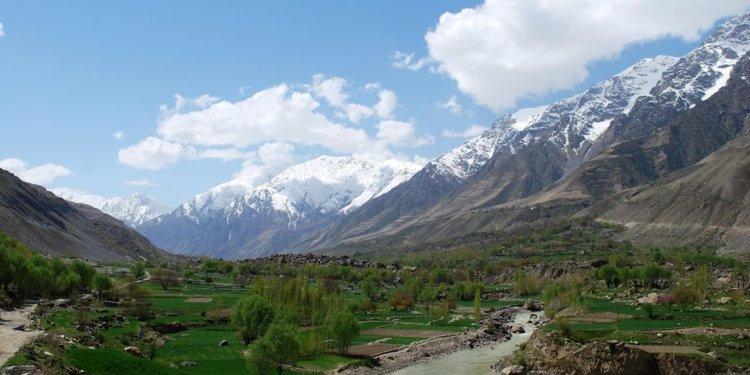 Afganistan'ın karlı sıradağları