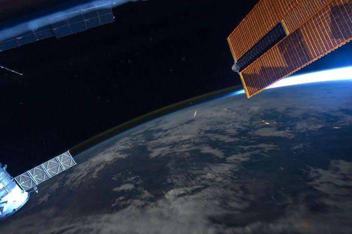 Dünya yörüngesine girerek yanan meteor Uluslararası Uzay İstasyonu'ndan görülüyor