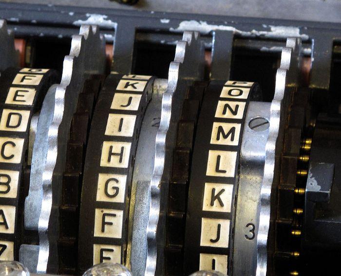 Enigma'nın karıştırma diskleri (rotor)
