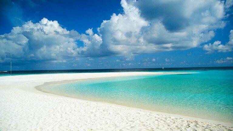 beyaz-kumlu-kumsallar