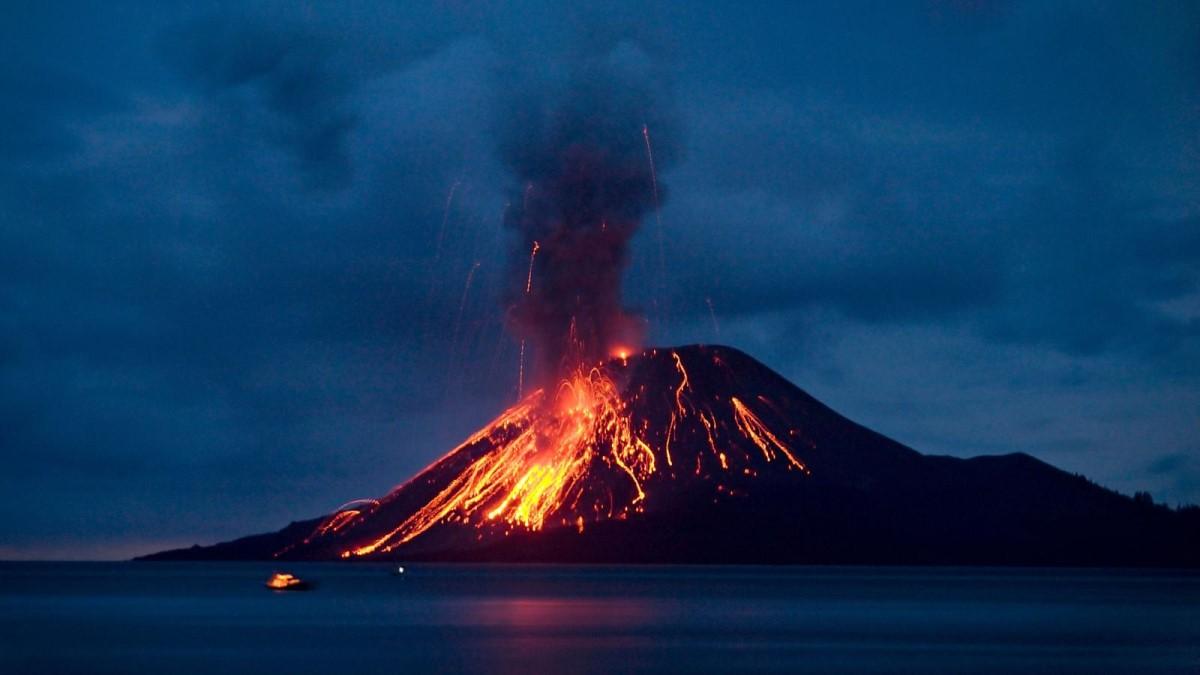 krakatoa (Krakatau) yanardağı