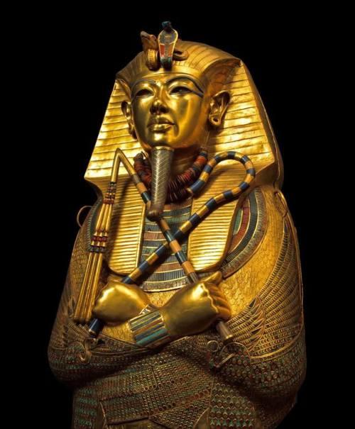 Kral Tutankhamun'un en içteki tabutu. Kahire'nin Mısır Müzesi'nde.