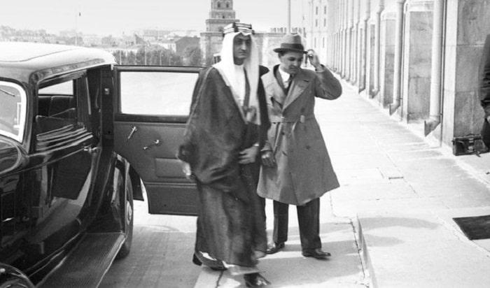 1932'de Karim Khakimov, Moskova'da Prens Faysal'a eşlik ederken
