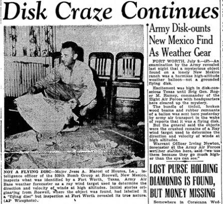 """""""Daire Çılgınlığı Sürüyor"""", Bir istihbarat şefi Roswell'deki UFO enkazını araştırır."""