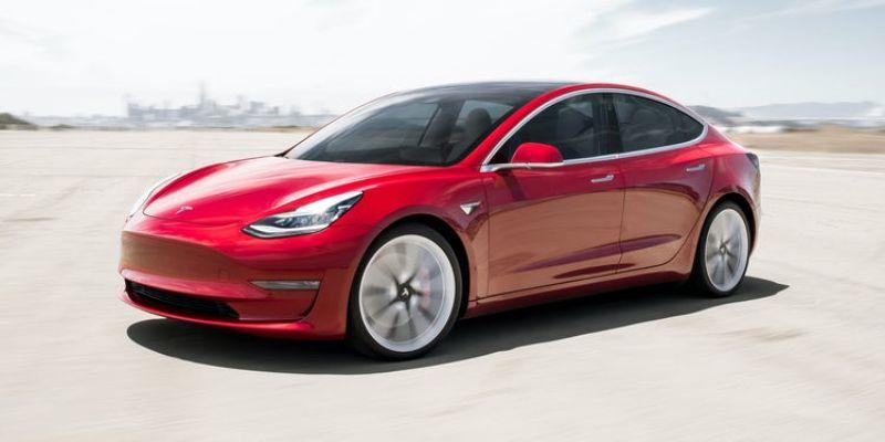 Elektrikli arabalarda tork üretimi anlıktır.