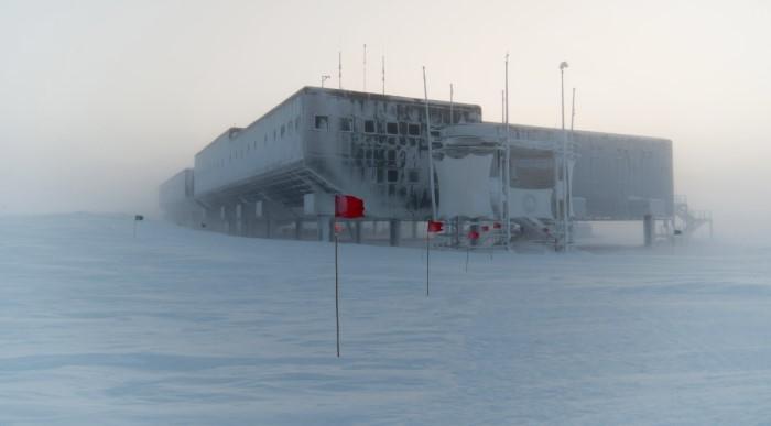 Dünya'daki en soğuk yerler arasında olan Amundsen-Scott İstasyonu.