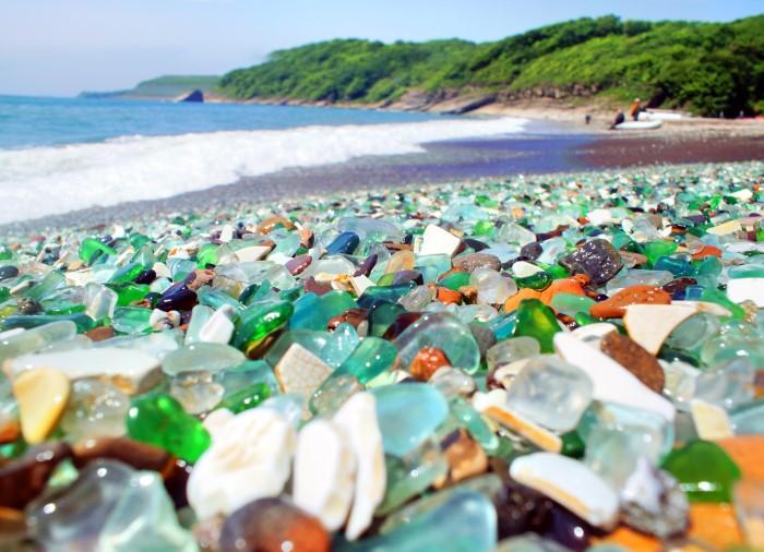 Deniz camları ile ünlü bir ABD sahili: Glass Beach.