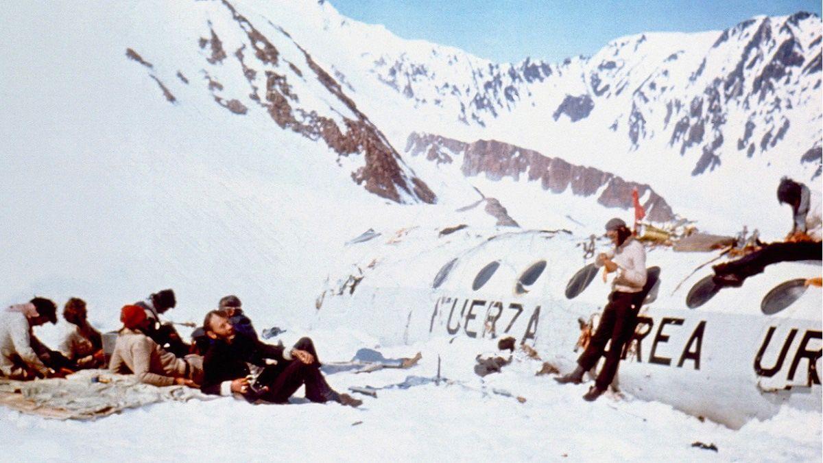 1972 Uruguay uçak kazası And Dağları mucizesi