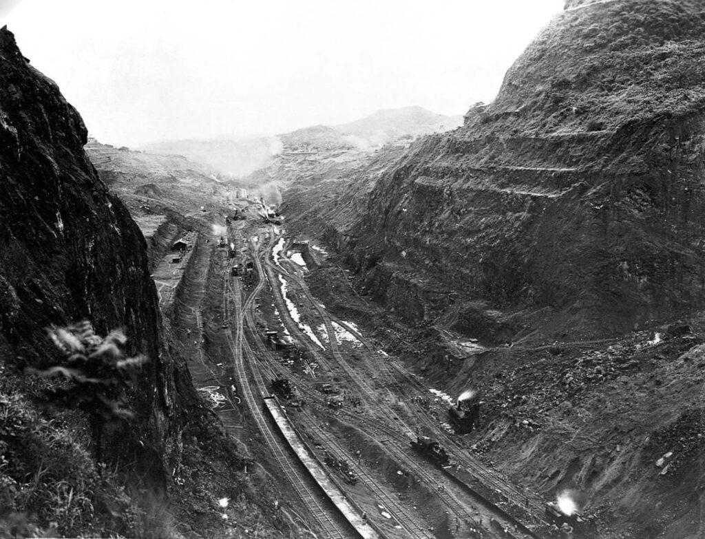 Culebra Kesiği'ndeki en derin noktalardan biri. 1913.