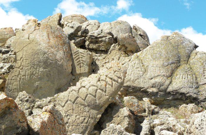 Petrogliflerin çizildiği kireçtaşının 14.800 yaşında olduğu bulundu.